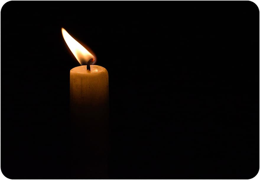 candle flame candlelight light burning faith night glow candlestick - Φαρκαδόνα: Πέθανε ξαφνικά 51χρονος επιχειρηματίας